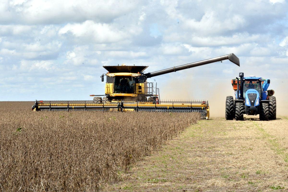 https://www.farmlandgrab.org/uploads/images/photos/14421/original_Mucha-tierra-en-pocas-manos.jpg?1585866432